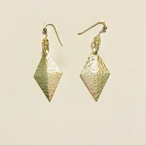 Jewelry - Hammered silver diamond shaped earrings
